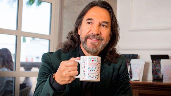 'El Buki' saca su lado más romántico en redes para promocionar 'Quiéreme Café'