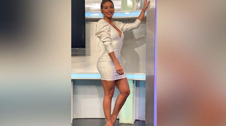 Arriba del elevador, Sol Pérez impone con su belleza al modelar tremendo 'outfit' rudo