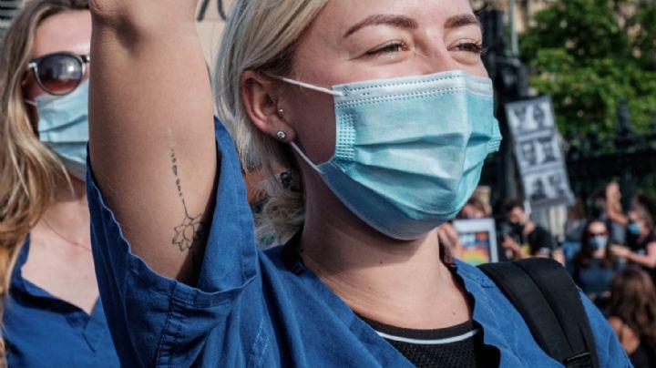 Manifestación en IMSS: Médicos residentes piden más seguridad y vacuna Covid-19