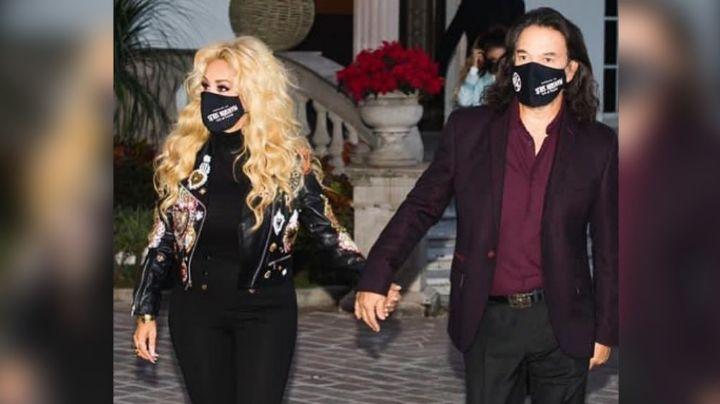'El Buki' aparece junto a su esposa y da contundente mensaje tras rumores de separación