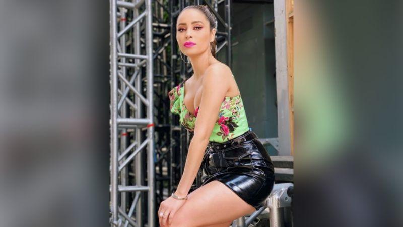 """Cynthia Rodríguez conquista las redes al estilo Belinda: """"Brillando como siempre"""""""