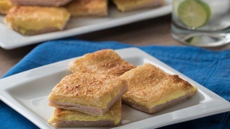 ¡No podrás dejar de comerlo! Prepara este delicioso sándwich de pasta hojaldre