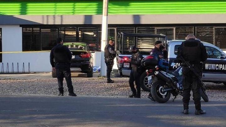 Ataque en Jalisco: Sicarios acribillan a mujer al entrar a gimnasio; la mataron frente a su hija
