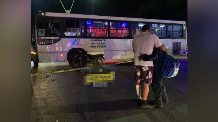 Por intentar ganarle el paso a un autobús, motociclista termina sin vida sobre el asfalto