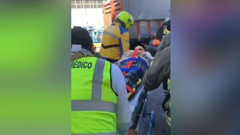 Mujer con esquizofrenia sobrevive de 'milagro' al caer de un edificio de cuatro pisos