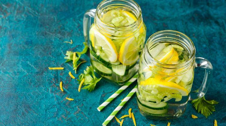 Prepara esta rica agua de apio con limón y disfruta de una saludable bebida