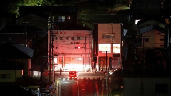 Japón queda a oscuras tras el sismo de 7.1 grados; casi un millón se quedan sin luz