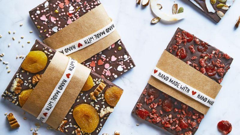 ¿Sin regalo para San Valentín? Estas barras de chocolate serán tu dulce salvación