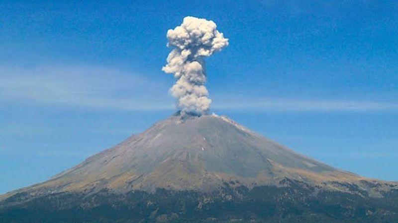 Popocatépetl registra intensa incandescencia y diversas exhalaciones en pleno San Valentín