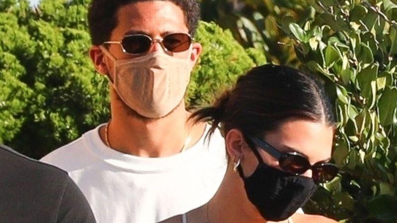 Kendall Jenner confima noviazgo con Devin Booker con romántica foto en Instagram
