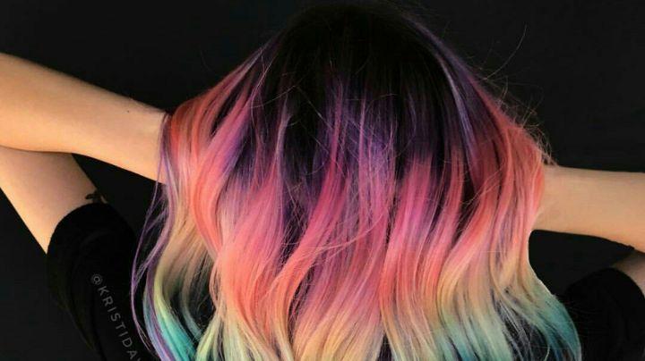 ¡Bella y juvenil! Cambia tu 'look' con estos increíbles 'balayage' de arcoíris