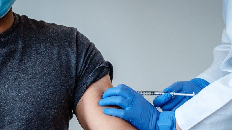 ¡Alerta en Jalisco! Detienen a enfermero por vender vacunas falsas contra el Covid-19