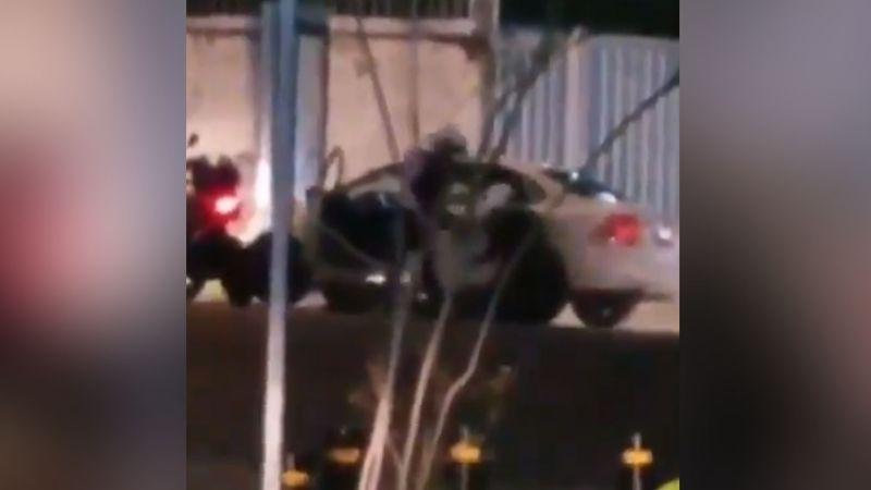 VIDEO: Policías de Jalisco son investigados por propinar brutal golpiza a ciudadano