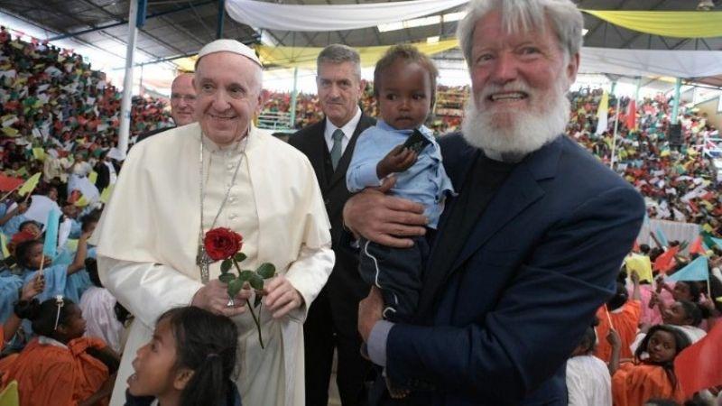 Opeka, el misionero nominado al Nobel de la Paz que convirtió un basurero en ciudad