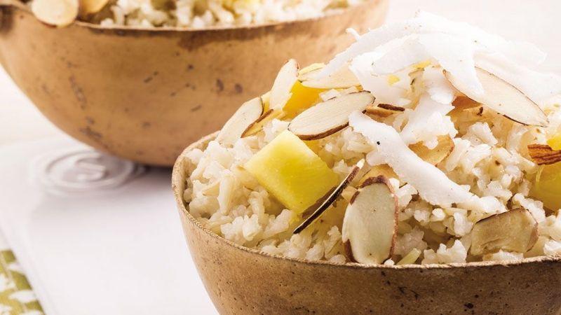 Reinventa todas tus comidas con ayuda de este extravagante y delicioso arroz de coco