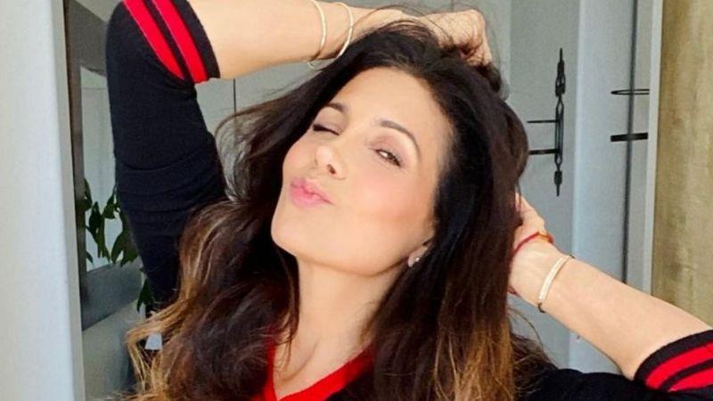 Paty Manterola presume increíble cintura de 'avispa' y causa locura en Instagram