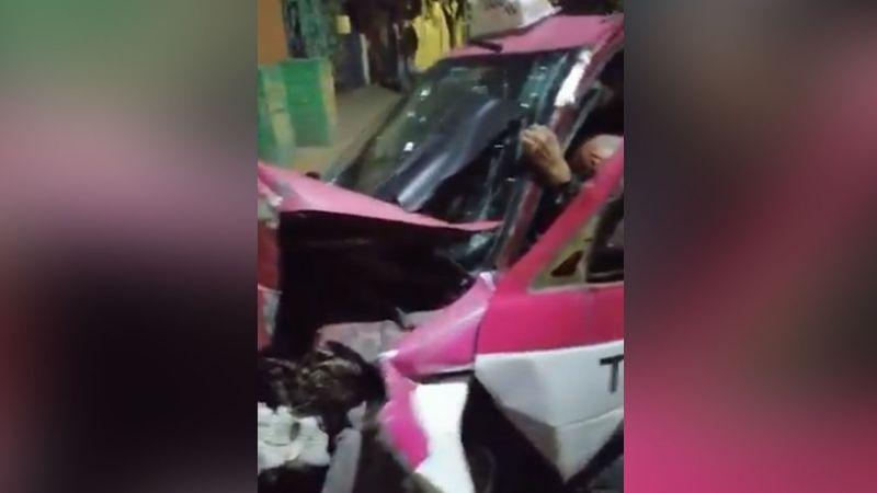 Taxista termina herido de gravedad tras impactarse contra un poste por fallo en los frenos