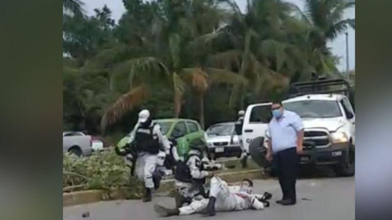 Al menos 5 elementos de Guardia Nacional resultaron lesionados tras chocar con taxi