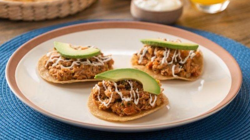 Dale la bienvenida a la cuaresma con estas deliciosas tostadas de atún a la mexicana