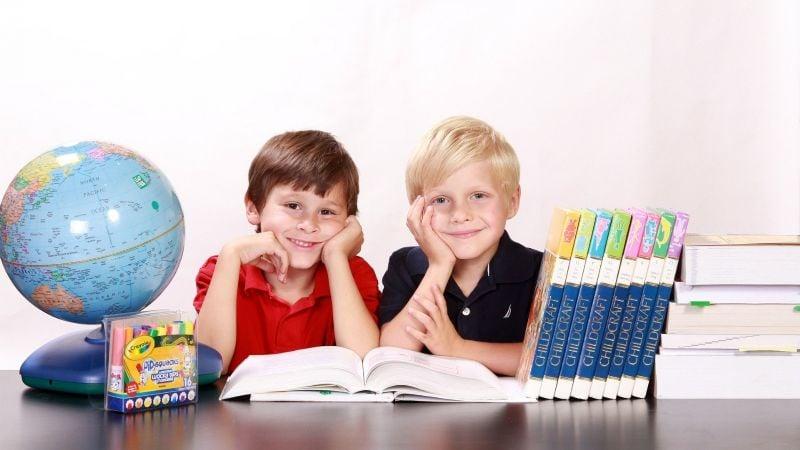 ¡Lo hará en poco tiempo! Enseña a tu hijo a leer con estos prácticos consejos