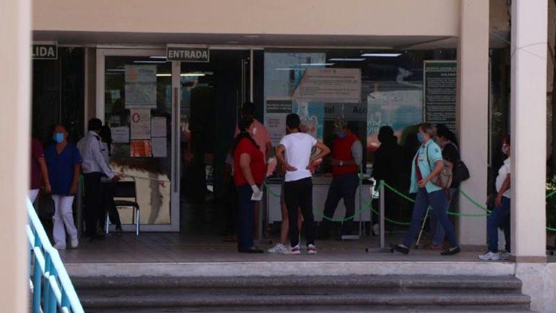 Terror en IMSS de Ciudad Obregón: Reportan a camillero con arma de fuego