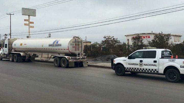 Golpe al huachicoleo: Interceptan y decomisan camión con más de  27 mil litros de diésel