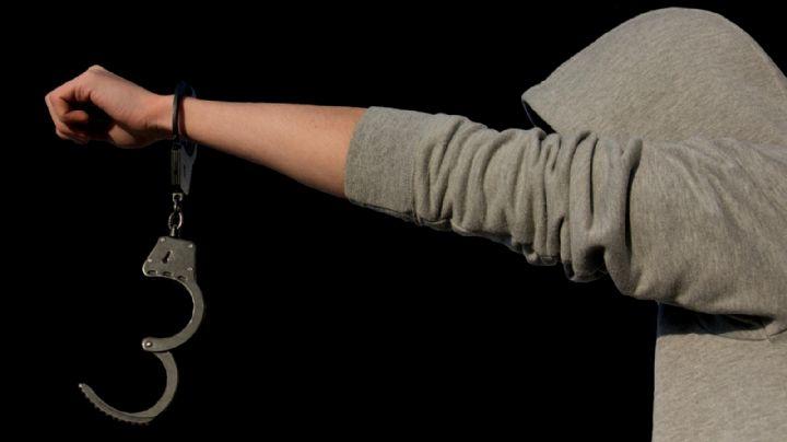 Prófugo de la justicia se entrega la policía; prefirió la cárcel que seguir en su casa