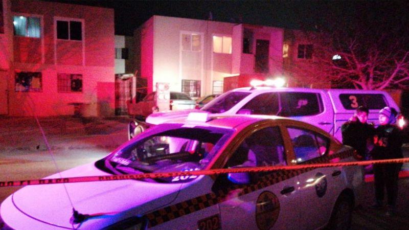 Terrible feminicidio: Gatillero acribilla a una mujer al exterior de su domicilio