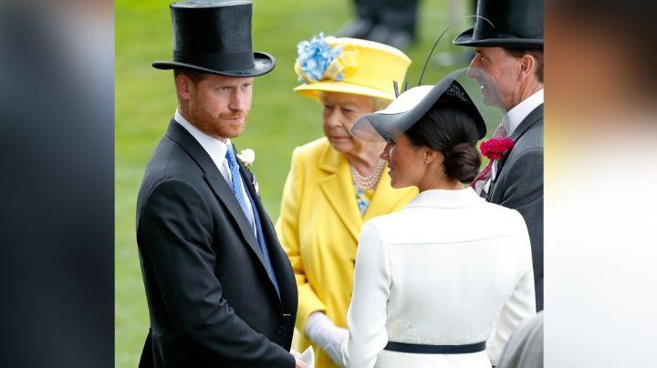 ¡Adiós Corona! Furiosa, Reina Isabel II obligaría al Príncipe Harry y Meghan a renunciar a todo