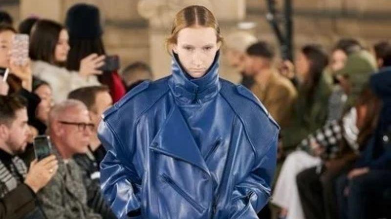 ¡Cómo Harry Styles! La moda masculina de invierno 2021 se despide de los estereotipos