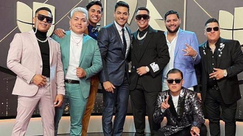 "Vocalista de Grupo Firme lanza 'recadito' a Carlos Rivera: ""Nos verán juntos"""