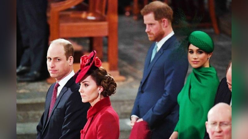 """Príncipe William, furioso por """"insulto y traición"""" de Meghan y Harry a la Reina Isabel II"""