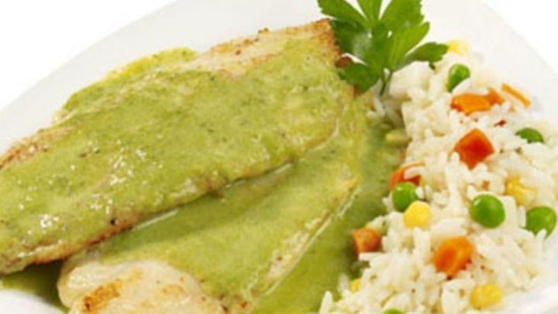 ¡Deja que su sabor te deleite! Prepara este pescado en salsa de cilantro para cuaresma