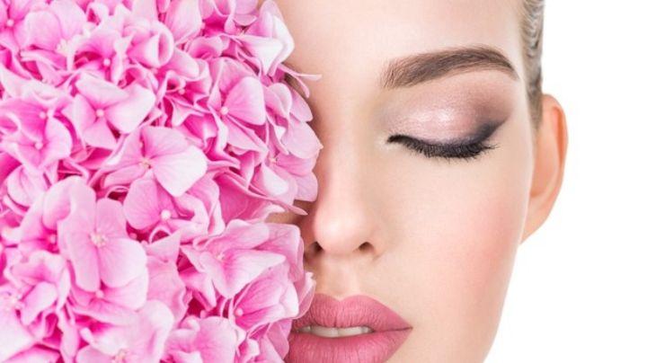 Obtén la belleza de la naturaleza con alguna de estas sencillas mascarillas de flores