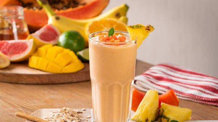 Mejora tu digestión con ayuda de este delicioso licuado de papaya y piña