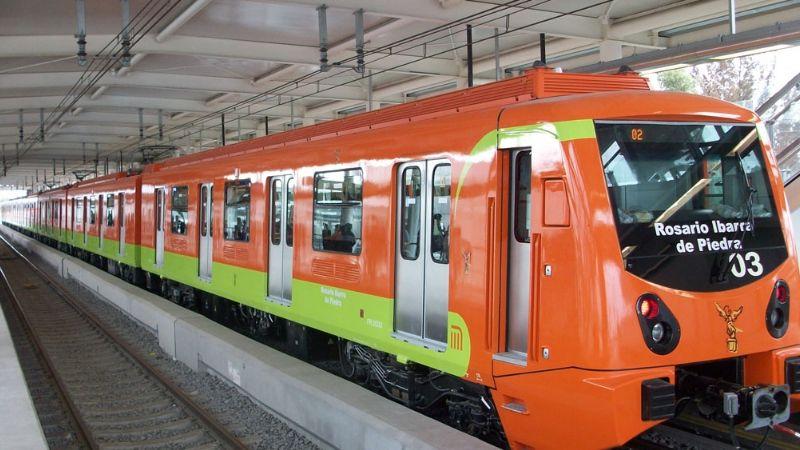 CDMX: Hombre sufre infarto en estación del Metro y muere de un brutal golpe en la cabeza