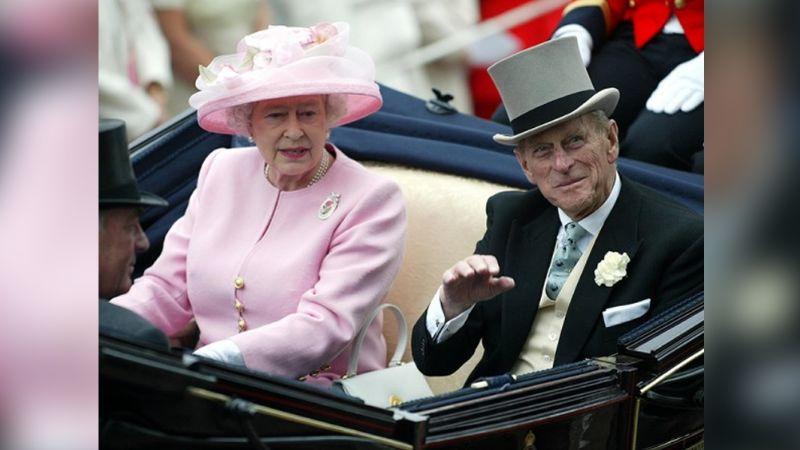 Golpe a la Reina Isabel II: Tras hospitalización del Príncipe Felipe, recibe desgarradora noticia