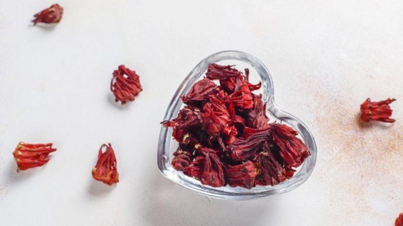 ¡Fácil y colorida! Esta gelatina de flor de jamaica te dejará con la boca abierta