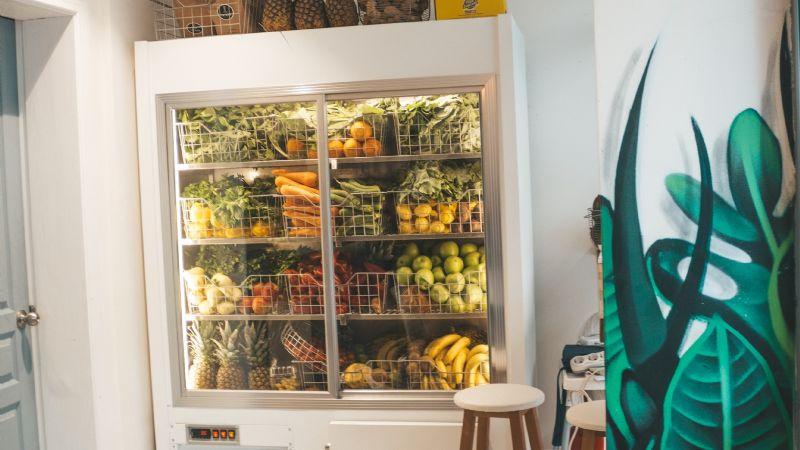 ¡Ten cuidado! Estos alimentos jamás deben estar dentro de tu refrigerador
