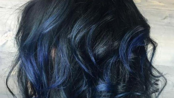 Como el mar, el 'balayage' azul le dará la personalidad de la marea a tu cabello