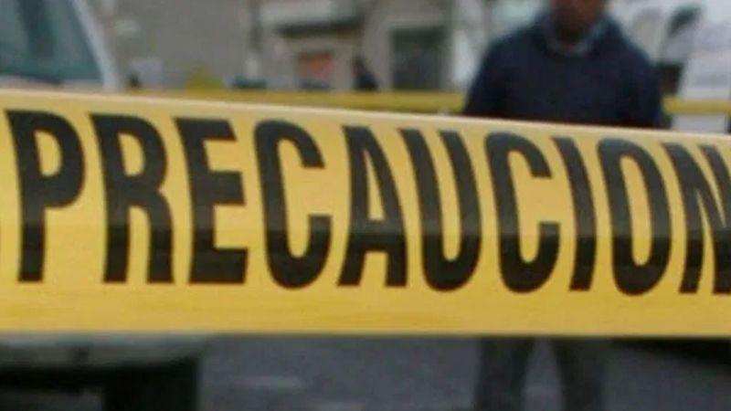 Hombre es asesinado a golpes y abandonado en la calle; tenía un carro de juguete encima
