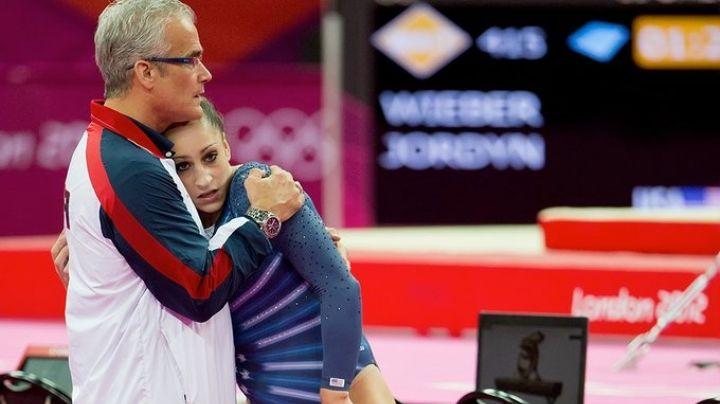 Exentrenador del equipo de gimnasia de EU se suicida tras ser acusado de abuso sexual