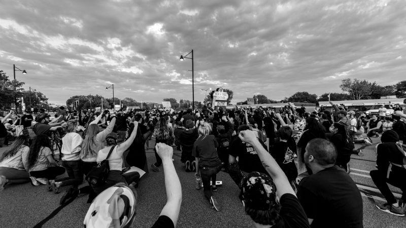 VIDEO: Protestas y cierre de avenidas; así ha sido la vacunación contra Covid-19 en Ecatepec