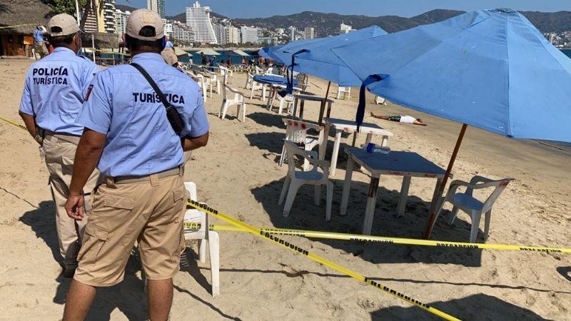 Desde el mar, sicarios llegan a playa y matan a bañista; le disparan en la cabeza