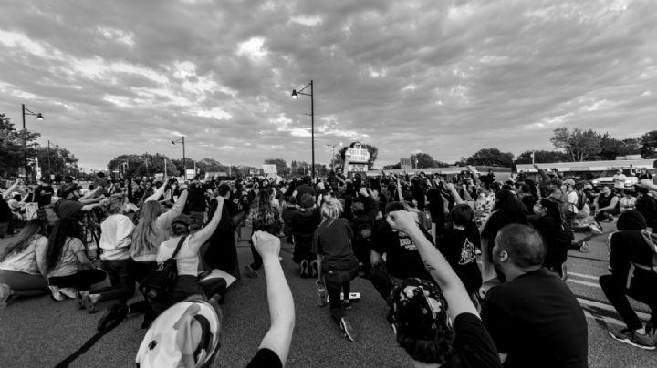 Cobach: Por falta de medicamentos, maestros y trabajadores se manifiestan; Isssteson responde