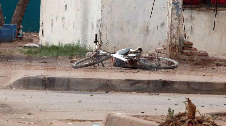 A plena luz del día, ciclista es acribillado y asesinado al sur de Ciudad Obregón