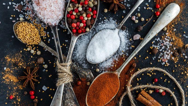 ¡Tenebroso hallazgo! El alto consumo de sal está relacionado a enfermedades graves