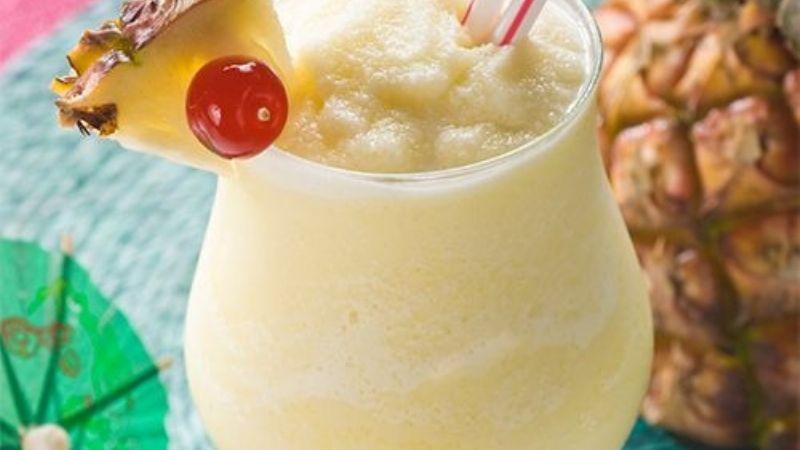 ¡Perfecto para Cuaresma! Este frappé de piña colada se convertirá en tu bebida preferida
