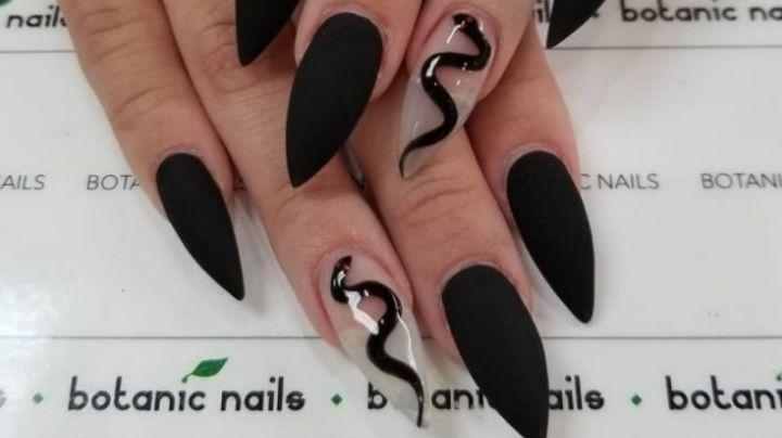 ¡Igual que la noche! Lleva el misterio del negro en tus uñas con estos fantásticos diseños