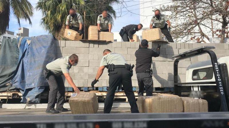 Sinaloa: Aseguran 2 toneladas de marihuana ocultas entre bloques de construcción